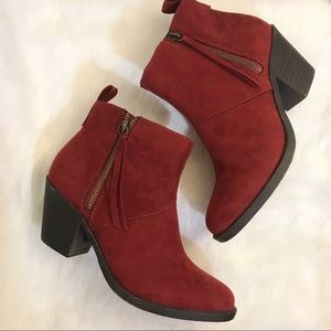 NWOT Forever 21 Burgundy Suede Ankle Booties